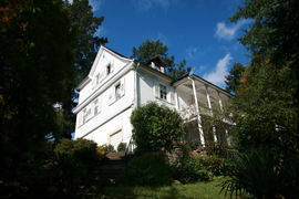 In the Brahmshaus the famous composer Johannes Brahms spent several summer seasons. Today a museum is housed here.