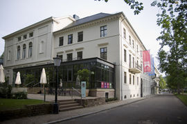 The Rive Gauche is a restaurant and café in the Museum Mile in Baden-Baden. In good weather the guests are sitting at the terrace within the park Lichtentaler Allee.