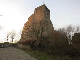 AltEbersteinBergfriedSchildmauer.jpg