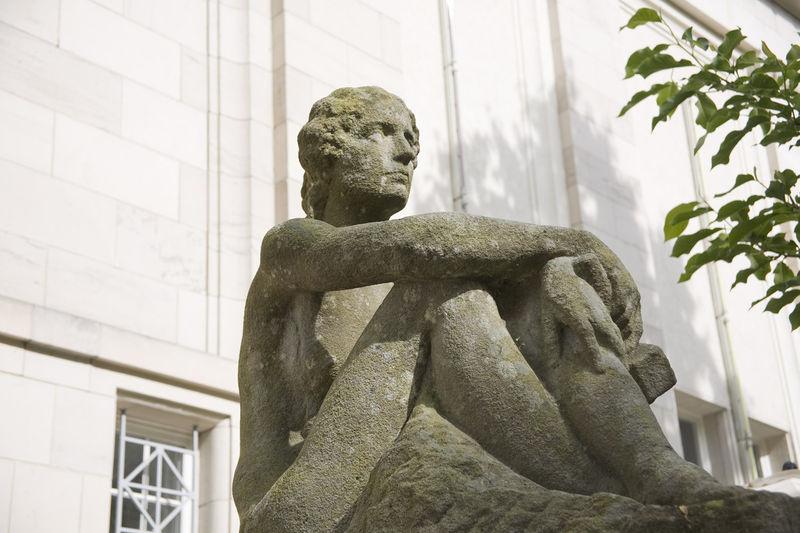 File:Kunsthalle Skulptur Bildhauerei.jpg